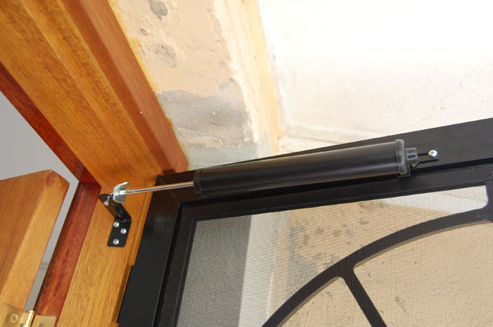 Flyscreen Door Closer